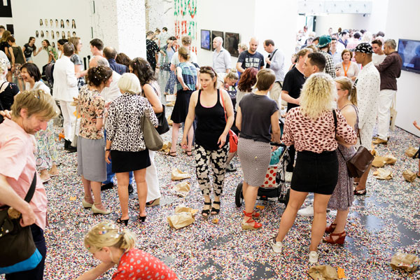 3.-307-Amalia-Pica,-Throw-A-Party,-2012,-Kunsthal-Rotterdam,-2015-(7)